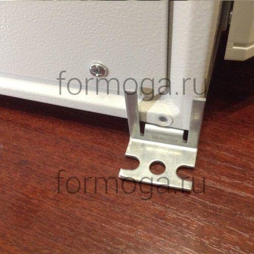 Шкаф с обогревом и вентиляцией ТШ-3-НВ-600х600х300 крепеж